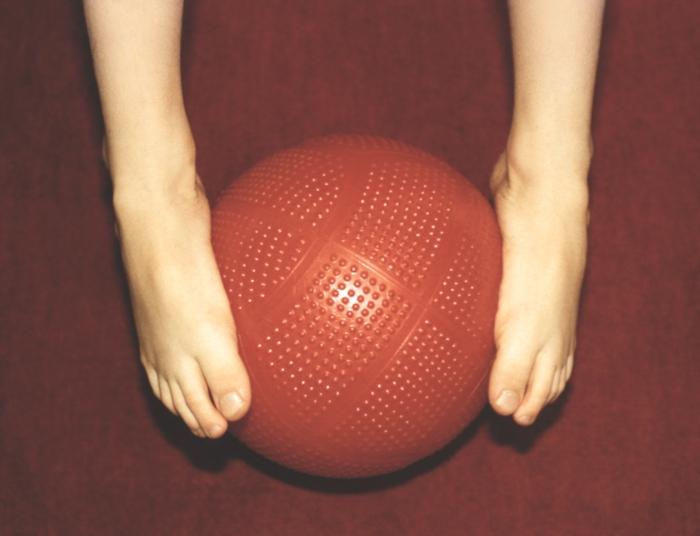 Современный метод лечения косточек на ногах лазером