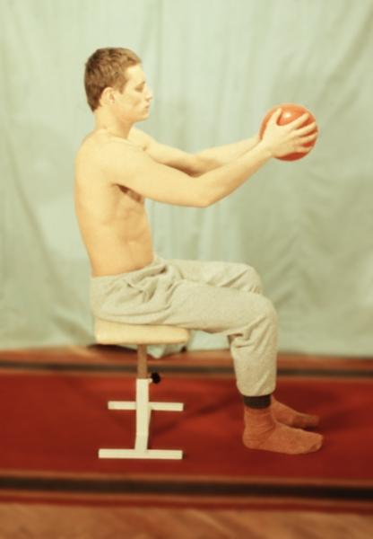 Если немеют руки и ноги от болей в спине