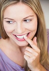 Как чай с молоком помогает отбелить зубы?