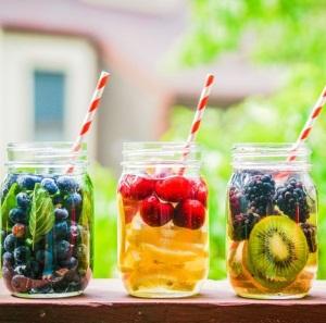 9 способов сделать питьевую воду вкуснее