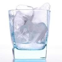 Талая вода: что важно и полезно знать?