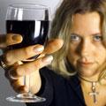 Причина алкоголизма у женщин
