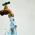 Что течет из крана с питьевой водой?