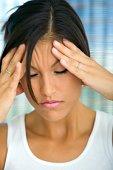 Одна из причин головной боли - долгое сидение на стуле